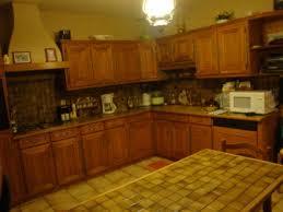 rajeunir une cuisine une cuisine la renovation de meubles sans le decapage