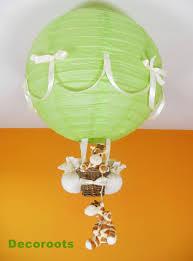 deco chambre bebe theme jungle le montgolfière thème jungle girafe jungle vert et beige babies