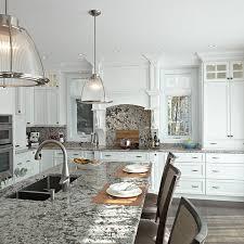 cuisine blanche classique cuisines beauregard cuisine réalisation 286 cuisine classique