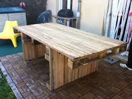idee de jardin moderne table jardin palette on decoration d interieur moderne de jardin