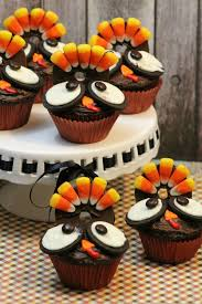 adorable turkey decorate cupcakes for thanksgiving