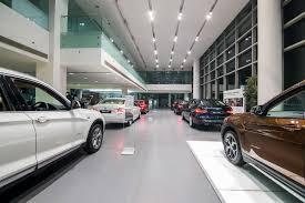 porsche kolkata demonetisation hits luxury car sales in kolkata find new