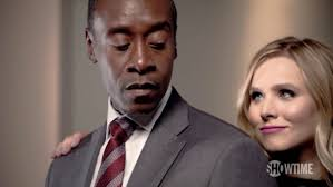 house of lies u0027 kristen bell and don cheadle get dirty in season 3