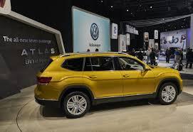volkswagen jeep 2018 volkswagen atlas takes aim at america
