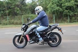 tvs apache rtr 200 4v first ride review dexterous dazzle motoroids