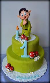 darling dopey cake snow white cake white cakes and snow white