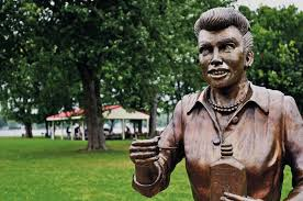 scary lucy u0027 creator gives up sculpting after lucille ball statue