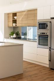 mirror backsplash in kitchen best 25 mirror splashback ideas on pinterest kitchen splashback