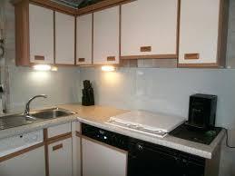 repeindre ses meubles de cuisine en bois repeindre un meuble cuisine repeindre meuble cuisine on decoration d