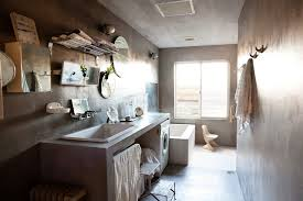7 cool bathrooms