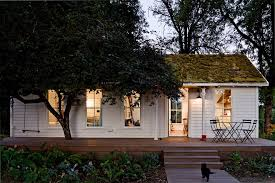 Japanese Small Home Design - japanese small house design exterior farmhouse with bistro chairs