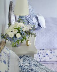 Arranging Flowers by The Art Of Arranging Flowers According To Charlotte Moss