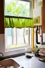 petit rideau de cuisine enchanteur rideau cuisine design avec rideaux de cuisine et stores
