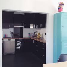 cuisine noir laqué plan de travail bois cuisine noir laque plan de travail bois de conception