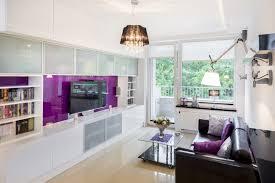 wohnzimmer in grau wei lila haus renovierung mit modernem innenarchitektur kühles wohnzimmer