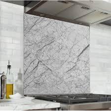 cuisine marbre fond de hotte marbre blanc et noir verre alu credence cuisine deco