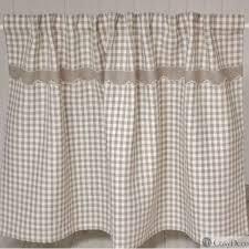 rideau sous evier cuisine rideau sur mesure à placer sous votre plan de travail de cuisine