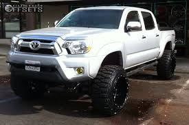 lift kit for 2013 toyota tacoma 2013 toyota tacoma fuel hostage fabtech suspension lift 6in