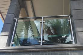 modern glass balcony railing cavitetrail glass railings