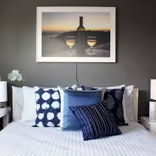 how to create a comfortable guest room with simple smart home