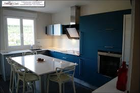 cuisine bleue et blanche cuisine bleue great cuisine couleur tendance with cuisine bleue