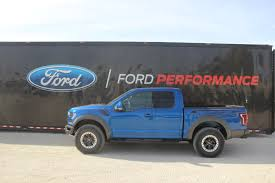 Ford Raptor Truck Bed - 2017 ford f 150 raptor review autoguide com news