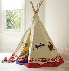 zelt kinderzimmer indianer tipi zelt fürs kinderzimmer selber bauen kreative ideen