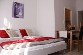 Schlafzimmer Komplett H Fner Ferienwohnung Checkvienna Buchengasse österreich Wien