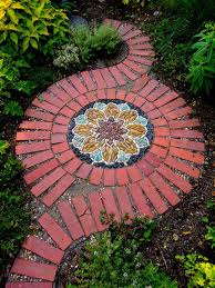 Backyard Walkway Ideas by Best 20 Brick Sidewalk Ideas On Pinterest U2014no Signup Required