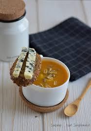 cuisiner les ravioles velouté potimarron aux ravioles et au bleu cuisiner tout