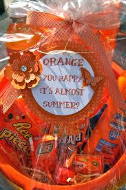 halloween gift baskets ideas best 20 orange gift basket ideas on pinterest orange you glad