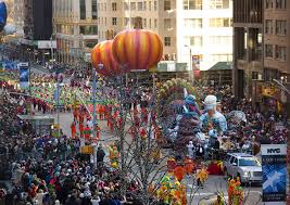 these n y c hotels epic views of the thanksgiving day parade