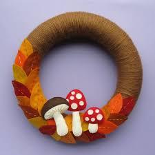 best 25 felt wreath ideas on felt diy felt from wool