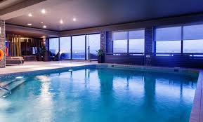 swimming pools at the victoria hotel
