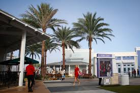 black friday orlando premium outlets thousands flock to tampa premium outlets opening in wesley chapel