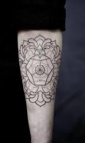 tattoo geometric outline http tattoo ideas us black ttoo pinterest tattoo