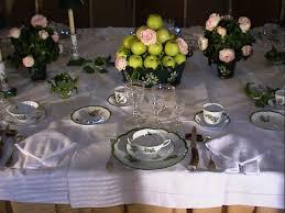 art de la table design le manoir de favry propose un stage de savoir vivre à la française