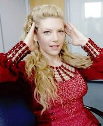 lagertha lothbrok hair braided i never thought lagertha as weak but she married such a jerk and