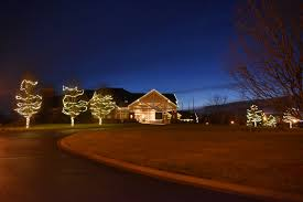 putting up christmas lights business every business can benefit from professional minneapolis commercial