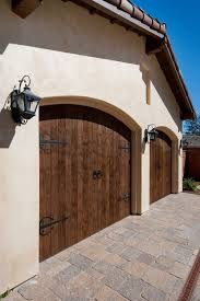 Garages That Look Like Barns 68 Best Garage Doors Images On Pinterest Wood Garage Doors