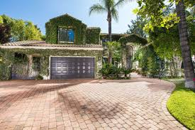 Calabasas Ca Celebrity Homes by Tupac Shakur U0027s Last Home Hits The Market For 2 66m Curbed La