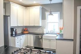 meuble haut de cuisine meubles haut cuisine cuisine meuble haut cuisine vitre avec marron