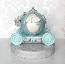 cinderella carriage cake topper pin by viorica dinu on cinderella fondant toppers