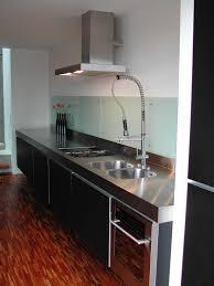 edelstahl küche küche mit schwarzer front und edelstahl arbeitsplatte