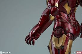 marvel iron man mark iii maquette by sideshow collectibles
