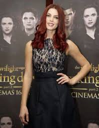 Ashley Green resplendissante lors de la promotion de Twilight !