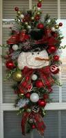 Decorated Christmas Door Wreaths by Best 25 Christmas Door Wreaths Ideas On Pinterest Christmas