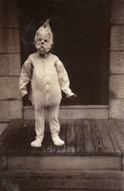 vintage everyday 22 haunting vintage halloween photographs before