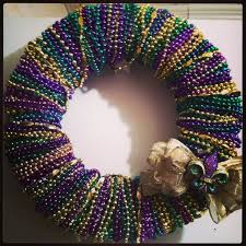 mardi gras bead wreath 20 best recycle mardi gras images on mardi gras