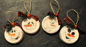 14 christmas decorations made from recycled garbage u2013 happy trails